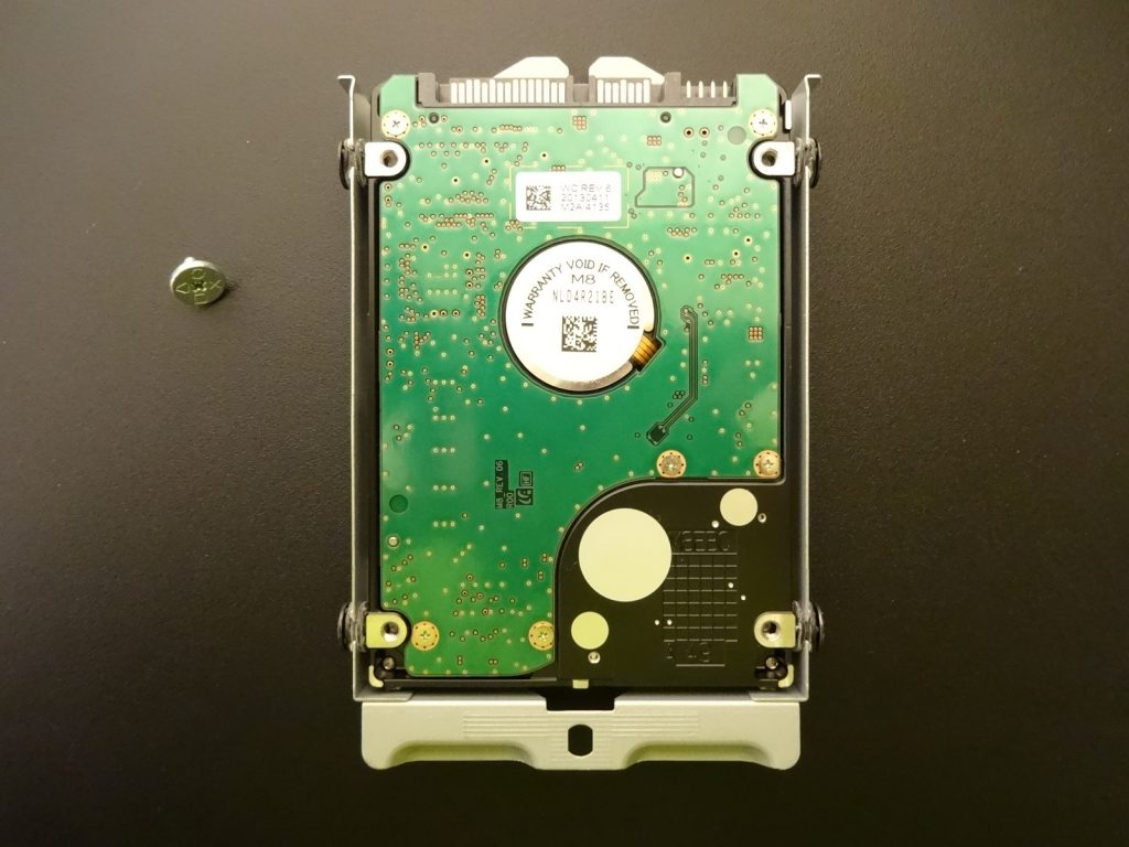 6 2 1024x768 - PS4本体の内蔵HDDやSSDを取り外す方法【画像で解説】