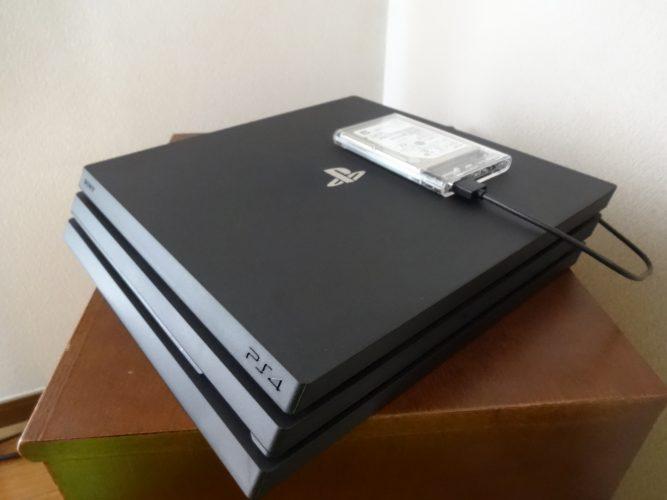 bc99d3be1c1ebfb5212924ae61e559ea 667x500 - 【PS4 PRO】の内蔵HDDをスケルトン外付けHDDにチェンジ!【画像あり】